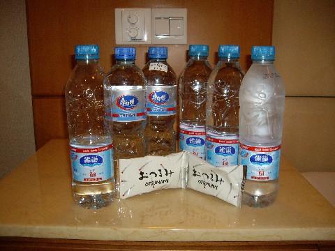 酒、ニワトリ、そして水